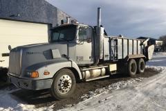 2001 Spreader Truck Year: 2001 Make: Western Star Model: Spreader Truck Style: Tandem Engine: Diesel 60 Series Detroit Transmission: 10 spd Interior: Good KM: 450.000 Add info: McKee 600 Spreader Price: $30,000 or OBO